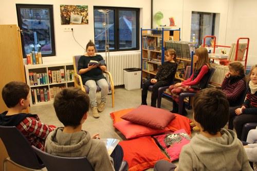 Contacontes en castellà amb Lola Ferrer