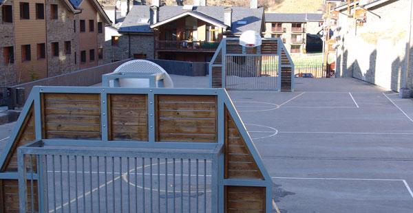 Minicamp futbol, La Covanella
